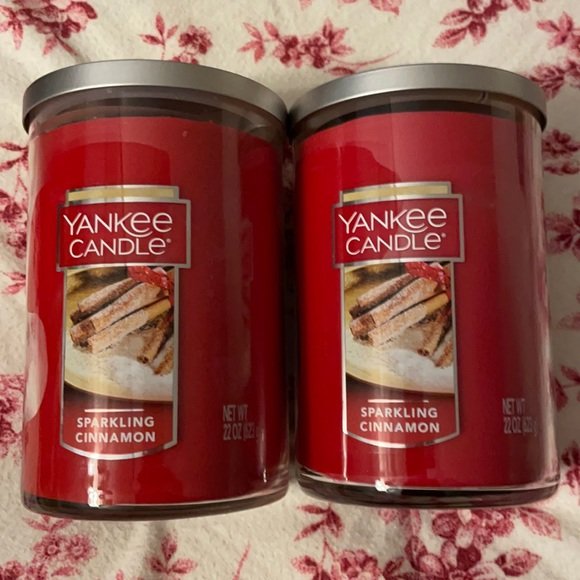 2 22oz Yankee Candles (Sparkling Cinnamon)